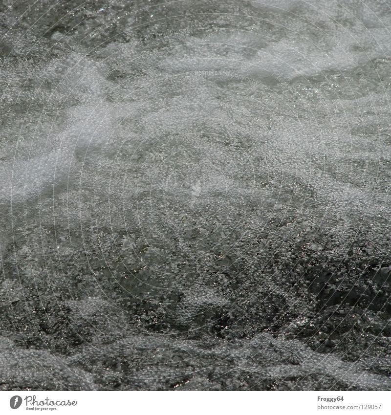 Schaumbad Wasser kalt Berge u. Gebirge Wellen nass Fluss Bach Luftblase Wasserfall spritzen Wasserwirbel Mineralwasser Wildbach