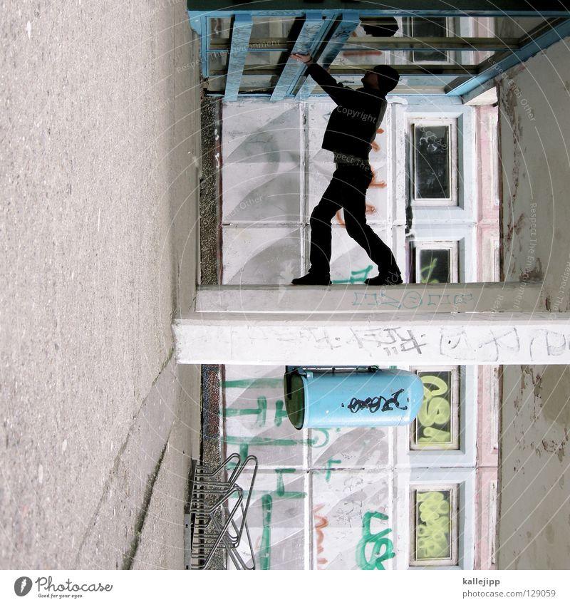 schulhofattraktion Mensch Himmel Mann Hand Stadt Haus Fenster Berge u. Gebirge Gefühle Architektur springen See Lampe Luft Linie Tanzen
