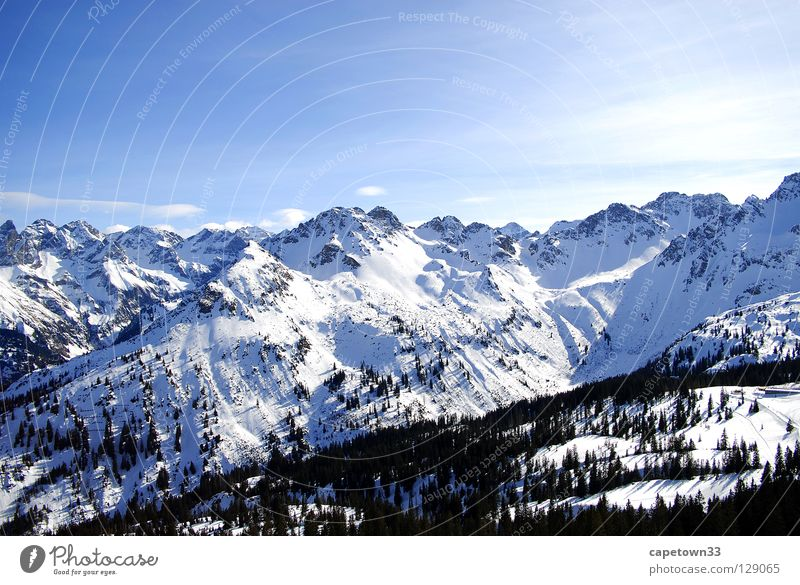 Winterlandschaft Himmel weiß Sonne blau Wald Schnee Berge u. Gebirge Landschaft Gipfel Tal
