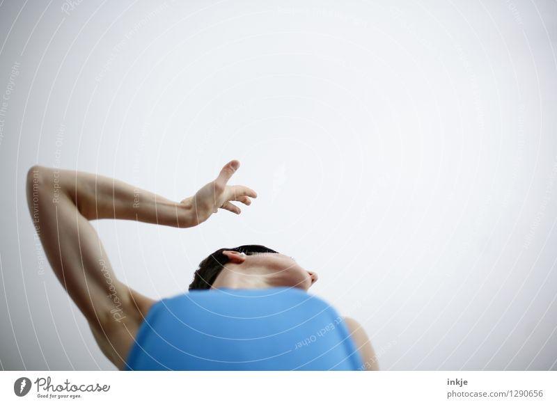 abwinken Mensch Frau blau weiß Hand Erwachsene Leben sprechen Lifestyle Arme Kommunizieren Ekel gestikulieren Hochmut eitel Unlust