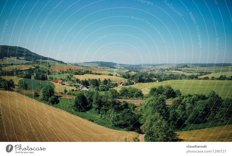 Fahrt mit der Sauschwänzlebahn Umwelt Natur Landschaft Pflanze Himmel Wolkenloser Himmel Sommer Schönes Wetter Baum Wiese Feld Wald Hügel Sehenswürdigkeit