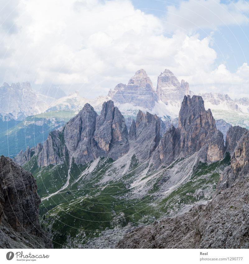 Felsspitzen II Himmel Natur Ferien & Urlaub & Reisen Sommer Landschaft Wolken Berge u. Gebirge Umwelt grau Stein Felsen Horizont Tourismus wandern Aussicht