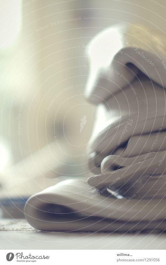 der ton macht die musik Töpfern Keramikhersteller Töpferei Ton Arbeitsplatz Handwerk Kunst Ton-in-Ton Kreativität Handwerkskunst Gedeckte Farben Innenaufnahme