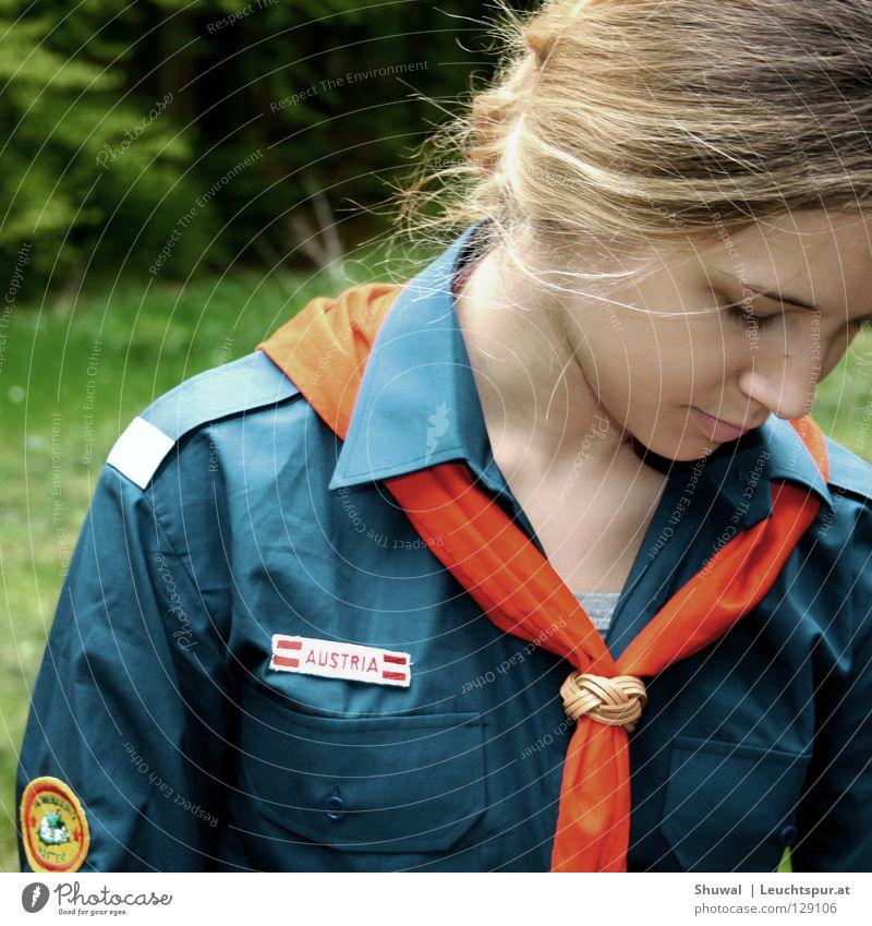 the last girl scout Natur Jugendliche Mädchen Wege & Pfade wandern blond Jugendkultur Hoffnung Frieden Hemd Konflikt & Streit Camping Österreich Christentum