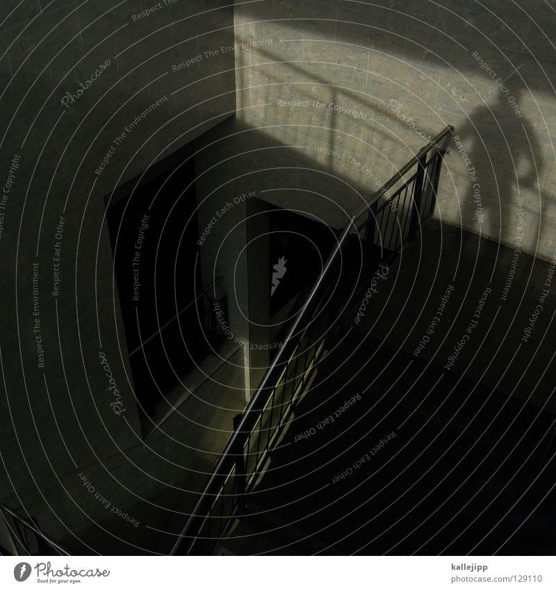 wait Treppenhaus Rolltreppe Licht Mann Fußgänger Selbstmörder abstützen Treffpunkt Karriere Architektur Schatten Mensch Geländer Blick warten meetingpoint