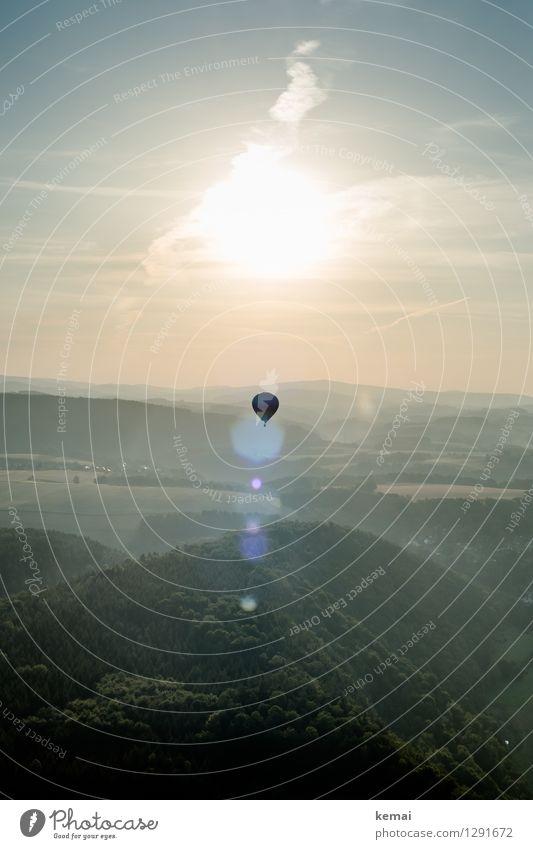 Start in den Tag Himmel Natur Pflanze Sommer Sonne Landschaft Wolken Wald Berge u. Gebirge Umwelt Wärme außergewöhnlich fliegen oben Horizont Luft