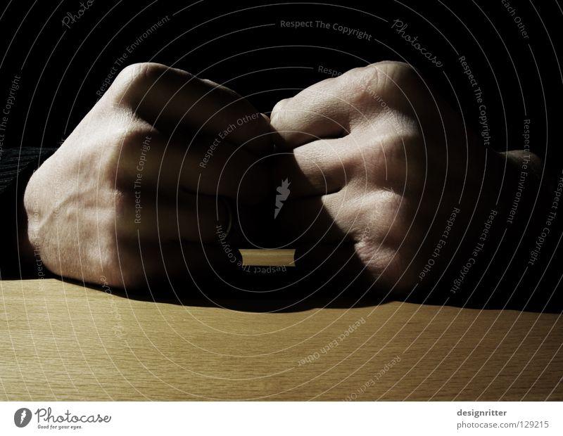 Körpersprache Hand sprechen Kraft Kraft Aktion Elektrizität Macht Wut Gewalt Konzentration stark Konflikt & Streit Krieg Verstand Aggression