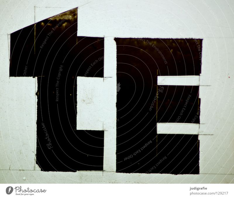 tE Linie Schriftzeichen Buchstaben Information Zeichen Medien Werbung Typographie Konstruktion Neigung Basteln geschnitten Haarschnitt Lateinisches Alphabet
