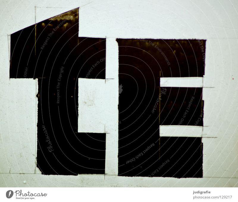 tE Typographie Großbuchstabe Buchstaben Schriftzeichen Basteln gebastelt Konstruktion geschnitten Medien Werbung mikrotypografie minuskel Lateinisches Alphabet