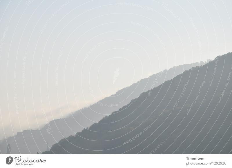 HD mal den Rücken kehren. Himmel Natur blau schön ruhig Umwelt Gefühle natürlich grau Wetter ästhetisch einfach Hügel Niveau Gelassenheit Dunst