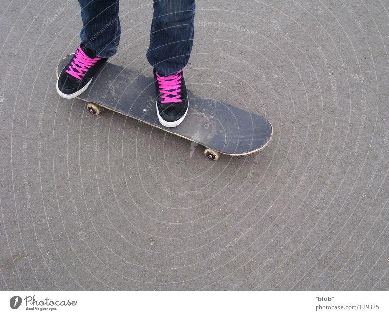 Skater-Minelli 2 Asphalt Schuhe grau schwarz rosa Freizeit & Hobby Skateboarding Schnürsenkel Beine
