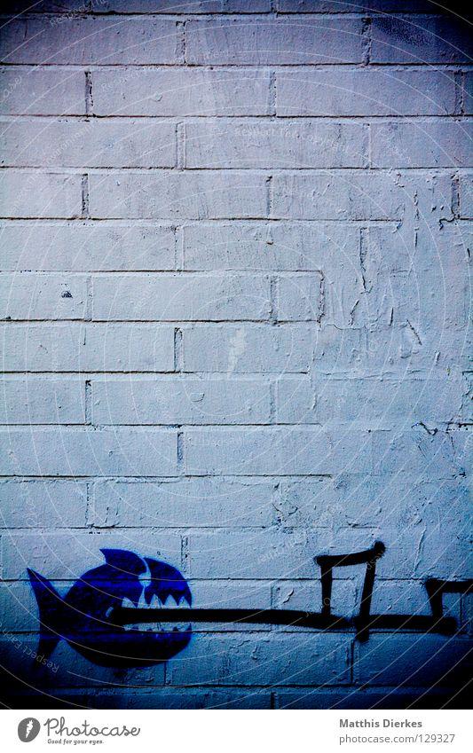 fis(c)h Wand Graffiti Mauer Linie Fisch verfallen Spanien Strahlung beißen Barcelona Haifisch Straßenkunst Wandmalereien Piranha