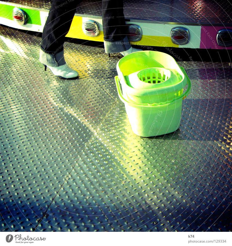 KIRMES Beleuchtung glänzend Reinigen Jeanshose Jahrmarkt Aluminium Karussell Damenschuhe Achterbahn Rio de Janeiro Brasilien Riffel Auto-Skooter