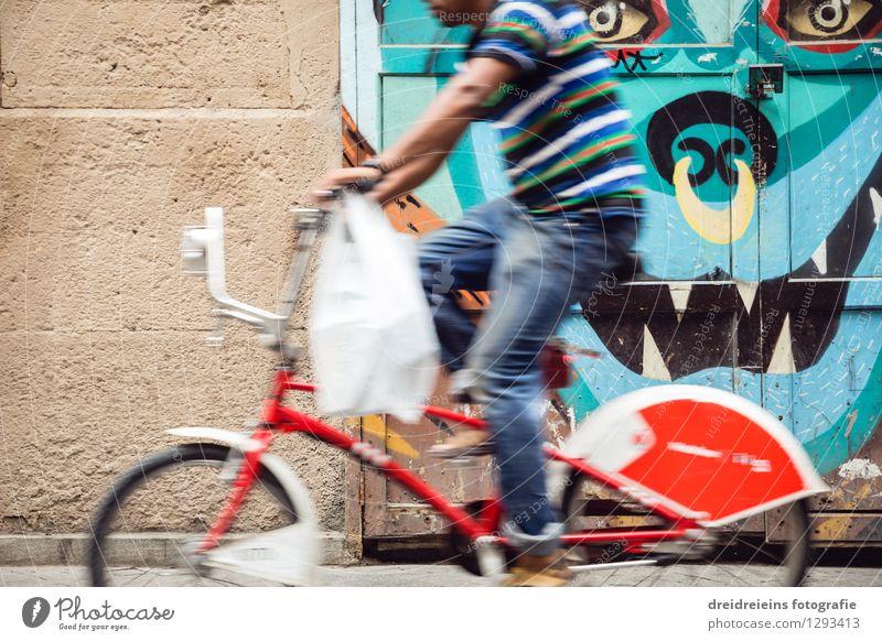 Barcelona mit dem Rad Ferien & Urlaub & Reisen Stadt Sommer Freude Wand Graffiti Bewegung Mauer Fassade Tourismus Geschwindigkeit einzigartig Fahrradfahren