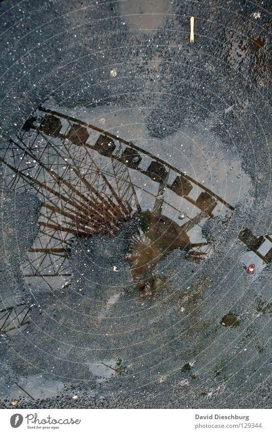 Wheel in the water Himmel Wasser Freude Gefühle Regen Angst groß hoch nass Kreis Macht Romantik Niveau Müll Spiegel Jahrmarkt