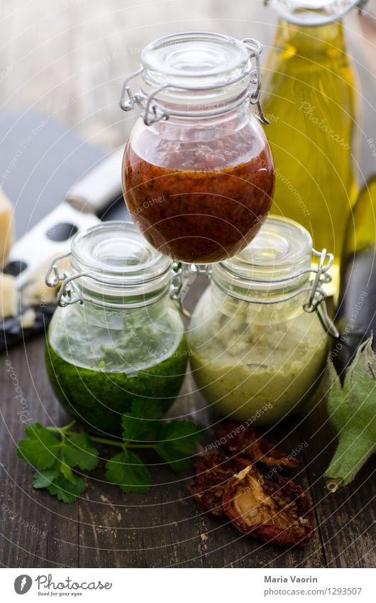 Pestoallerlei 4 Lebensmittel Kräuter & Gewürze Ernährung Mittagessen Bioprodukte Vegetarische Ernährung Slowfood Duft lecker selbstgemacht Tomatenpesto