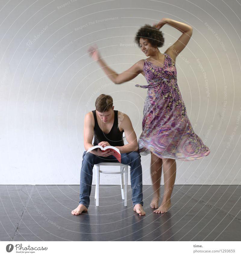 Janis & Ansiré Mensch Frau Mann schön Erholung Freude Erwachsene Bewegung feminin maskulin träumen Raum blond sitzen ästhetisch Tanzen
