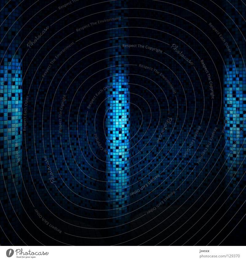 Mosaik blau dunkel Wand Bad Bodenbelag geheimnisvoll Fliesen u. Kacheln verstecken Kurve Vorhang schwingen geschwungen hell-blau Licht & Schatten