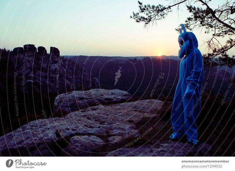 Rückblicker Kunst Kunstwerk Gemälde ästhetisch Sächsische Schweiz Felsen Karnevalskostüm blau Monster Ungeheuer ungeheuerlich Sonnenaufgang Traurigkeit