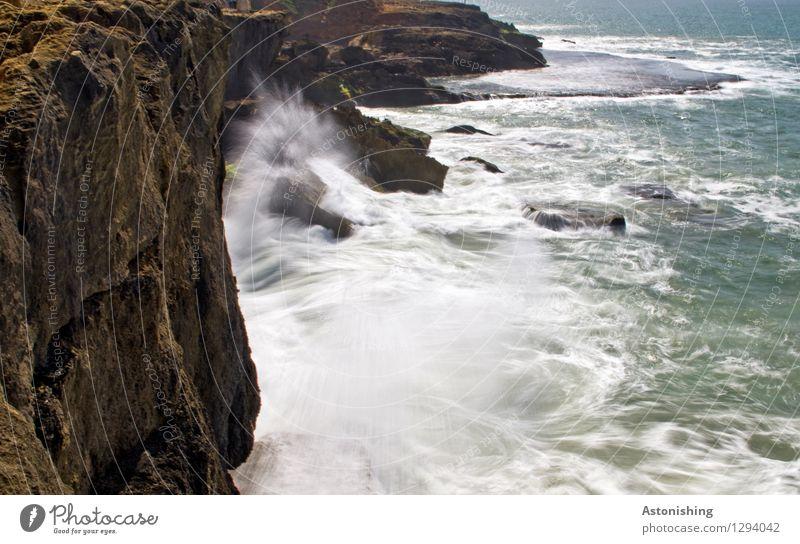 die Mauer muss Weg! Natur Wasser weiß Meer Landschaft schwarz Reisefotografie Umwelt Küste Mauer Stein braun Felsen Kraft Wellen Wind