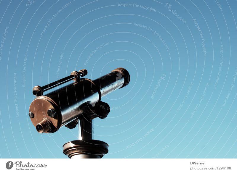 Weitblick Ferien & Urlaub & Reisen Tourismus Ausflug Abenteuer Ferne Sightseeing Städtereise Himmel nur Himmel Wolkenloser Himmel Fernglas Teleskop gebrauchen