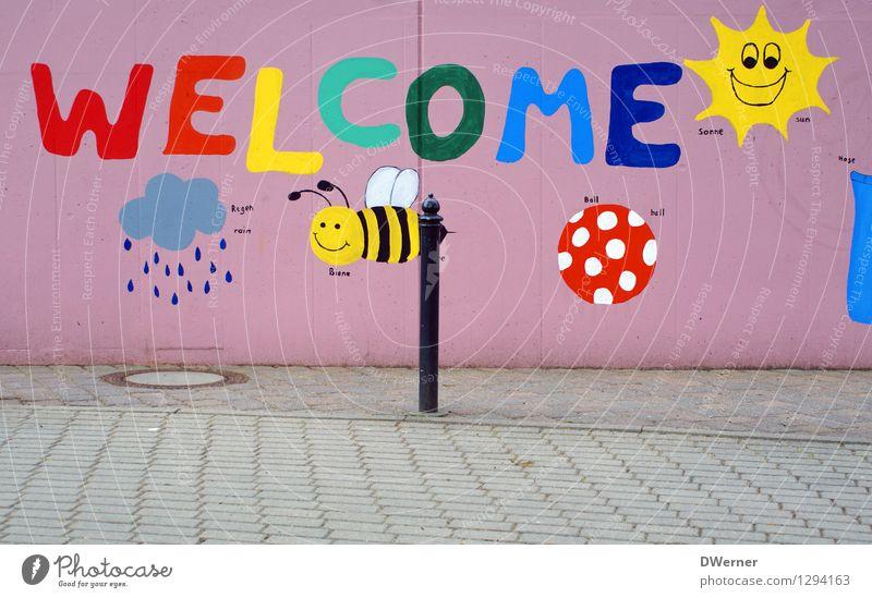 WELCOME Sonne Wolken Freude Wand Straße Graffiti Mauer Glück Lifestyle Schule Kunst rosa Fassade Design Zufriedenheit frisch