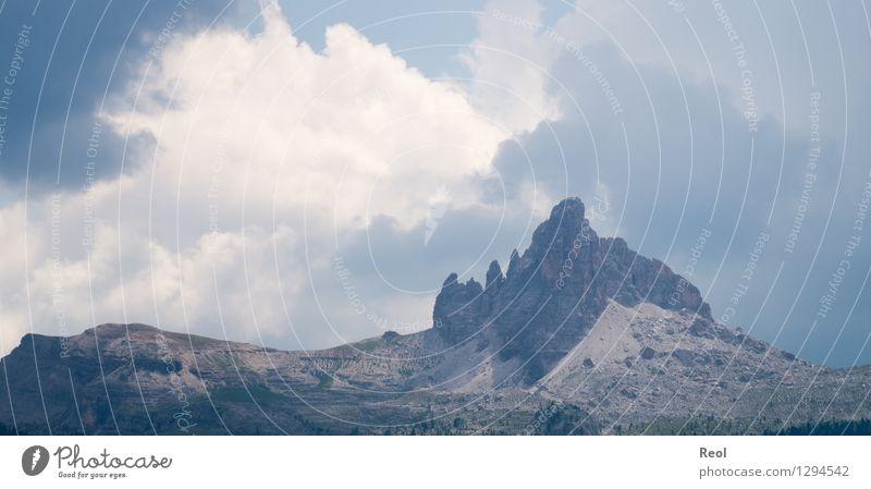 Wolkengemälde Umwelt Natur Landschaft Himmel Gewitterwolken Sommer Klima Felsen Alpen Berge u. Gebirge Südtirol Dolomiten Gipfel karg grau Kontrast Lichtblick