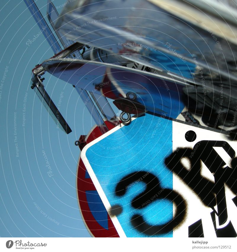 schilderwahn Himmel Wege & Pfade laufen Ordnung Schilder & Markierungen Verkehr Hinweisschild Warnhinweis Richtung chaotisch Fahrzeug Gesetze und Verordnungen