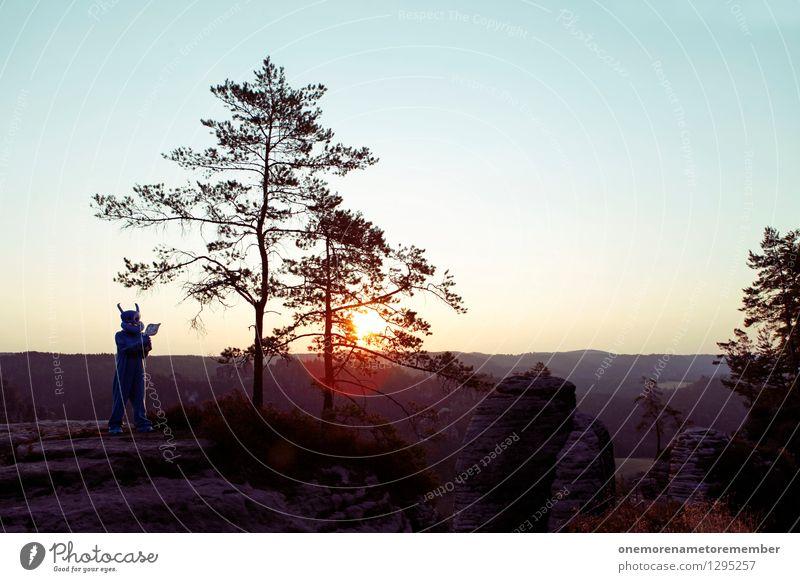 the beauty of invasion Baum Ferne Kunst Felsen stehen ästhetisch Frieden Surrealismus Kunstwerk Kostüm Blauer Himmel Karnevalskostüm friedlich Monster gestellt Pistole