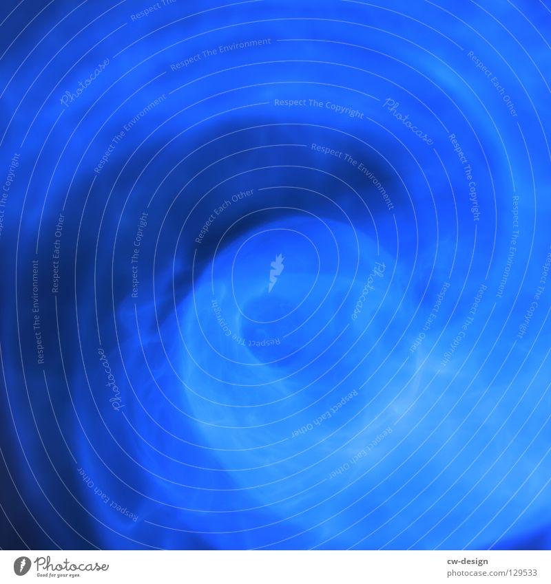 THE SOUND OF MY STEPS II Wasser blau Freude schwarz Farbe Lampe dunkel Bewegung Linie hell Beleuchtung glänzend Glas Hintergrundbild Geschwindigkeit Aktion