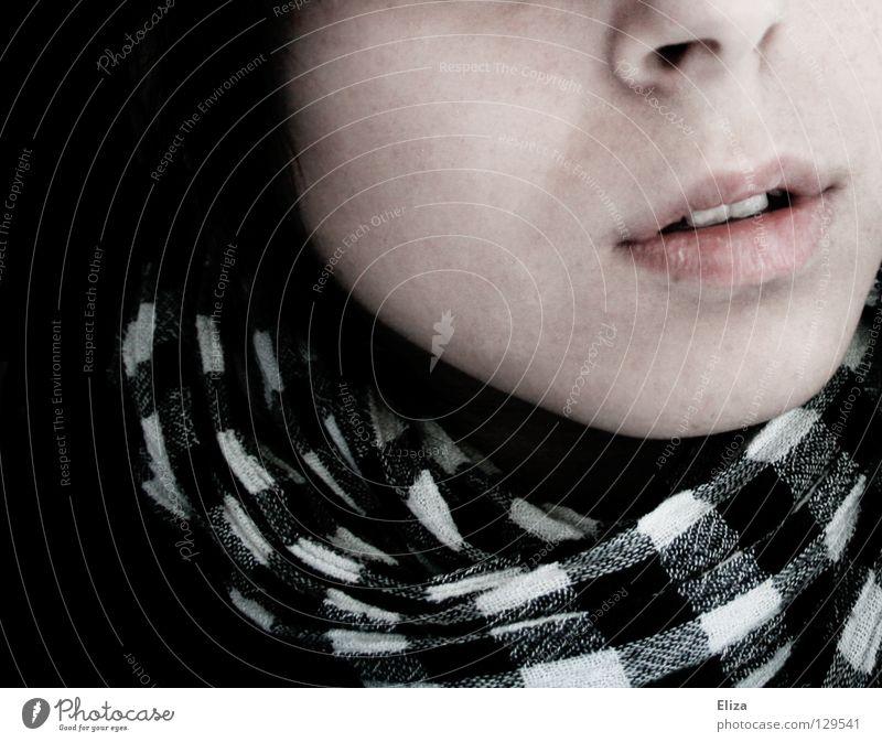 will ausbrechen. Sehnsucht Trauer Schal kariert Hoffnung gefangen blind Fernweh Müdigkeit flau Lippen schwarz Gleichgültigkeit Verzweiflung Angst Panik