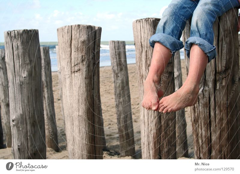 hängen lassen Mensch Himmel Ferien & Urlaub & Reisen Meer Sommer Strand Freude Wolken Erholung Holz Sand See Beine Fuß Linie Freizeit & Hobby