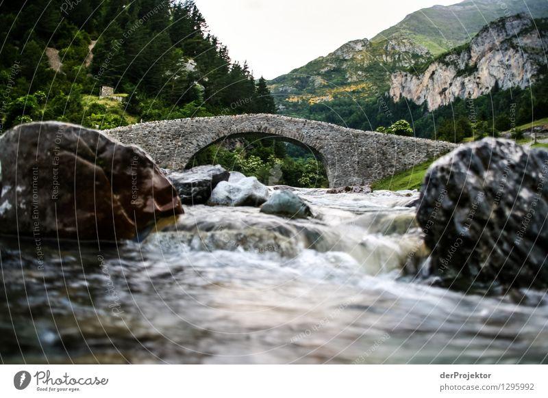 Römische Brücke mit Bach Ferien & Urlaub & Reisen Tourismus Ausflug Abenteuer Ferne Freiheit Berge u. Gebirge wandern Umwelt Natur Landschaft Pflanze Tier