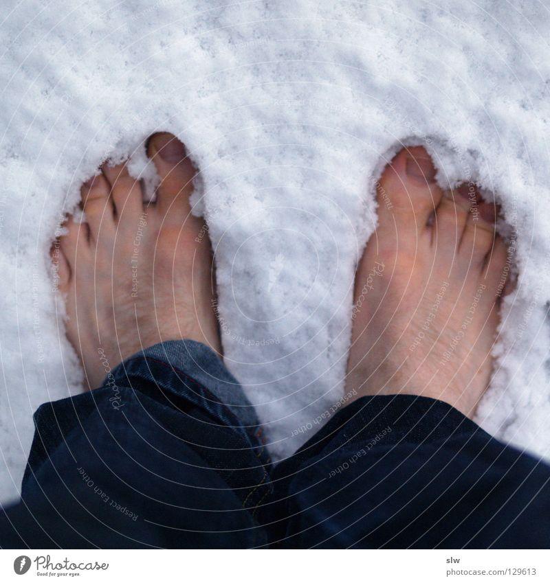 Kalte Füße Mensch Mann Winter Einsamkeit kalt Schnee Haare & Frisuren Fuß 2 Jeanshose Langeweile Barfuß Zehen 10