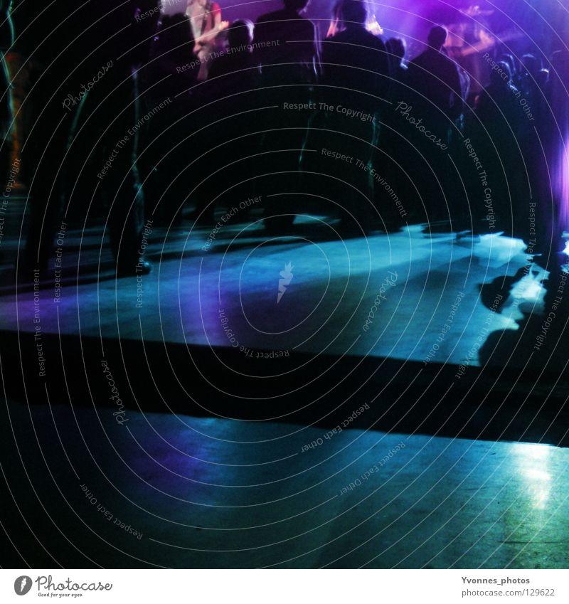Rock Concert Farbfoto mehrfarbig Textfreiraum unten Nacht Licht Schatten Silhouette Freude Nachtleben Entertainment Party Veranstaltung Musik Club Disco