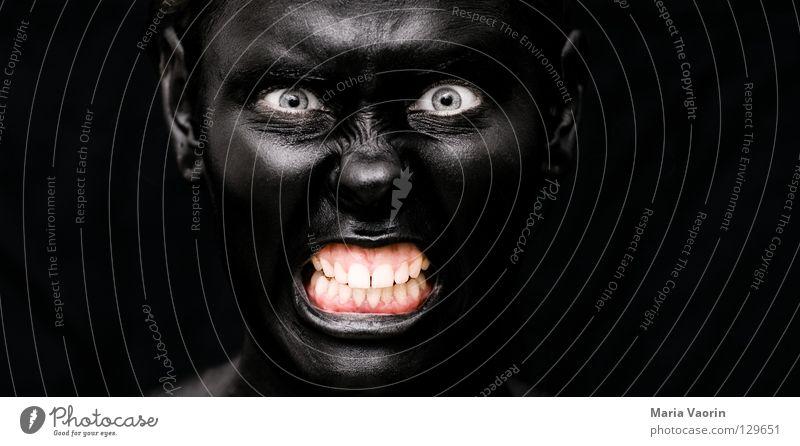 crazy black (4) Frau schwarz dunkel Traurigkeit dreckig verrückt gefährlich Zähne Wut geheimnisvoll außergewöhnlich böse Geister u. Gespenster mystisch Ärger Hass