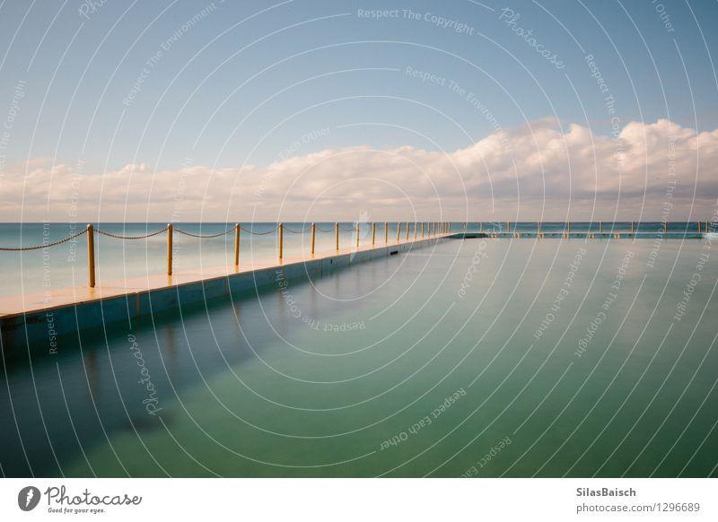Natur blau schön Wasser Meer Wolken Freude Strand Küste Sport Schwimmen & Baden Lifestyle Design elegant Wellen Erfolg