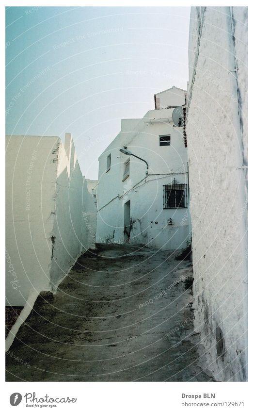 Nerja Sommer Ferien & Urlaub & Reisen Spanien Verkehrswege Blauer Himmel Gasse Andalusien ausgestorben Malaga