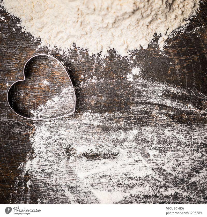 Mehl und Herz Ausstechform für Plätzchen backen Lebensmittel Teigwaren Backwaren Stil Design Tisch Küche Feste & Feiern Valentinstag Liebe retro Hintergrundbild