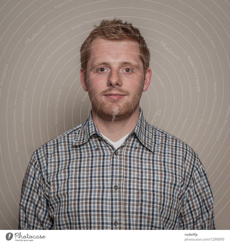 biometrisch Mensch maskulin Junger Mann Jugendliche Erwachsene 1 18-30 Jahre Hemd authentisch oben Originalität positiv blau braun grau Zufriedenheit Coolness