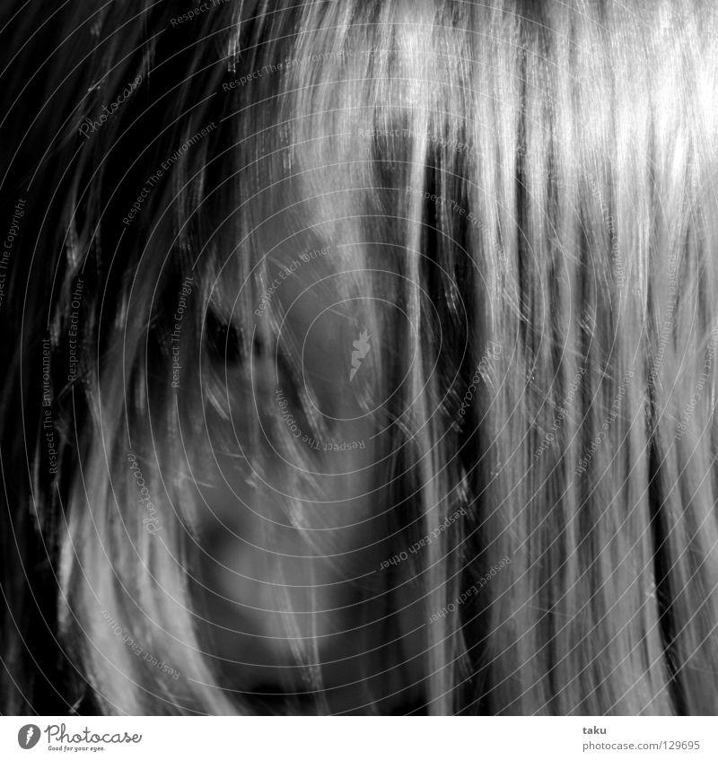 LALLA I Freude Gesicht Spielen Haare & Frisuren Raum Mund Nase Ohr Versuch Haarsträhne grobkörnig