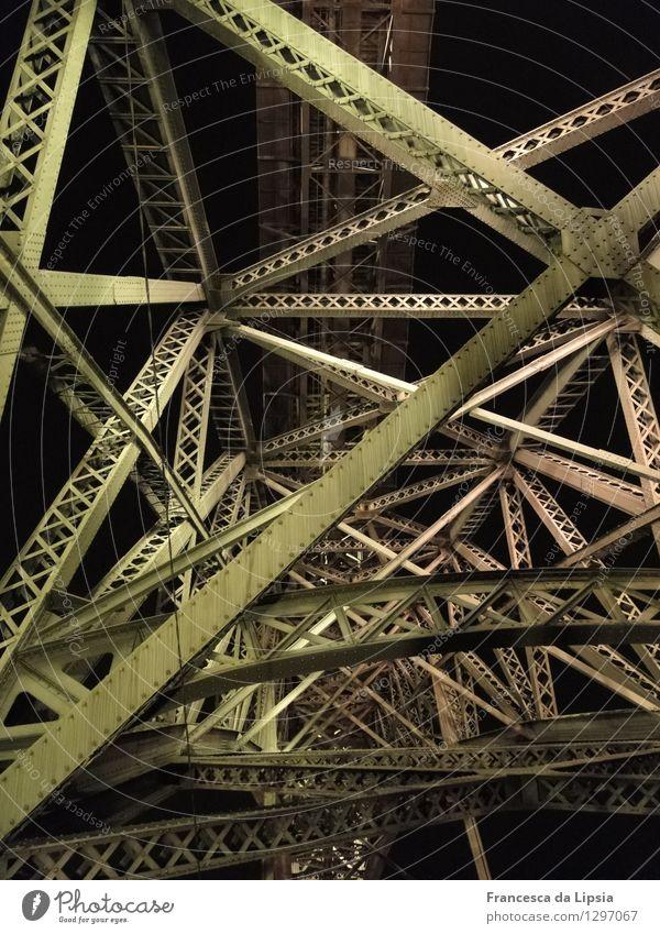 Ponte Dom Luís I. Ferien & Urlaub & Reisen Stadt alt grün schwarz Architektur Bewegung Wege & Pfade oben Metall rosa leuchten Kraft hoch groß Brücke