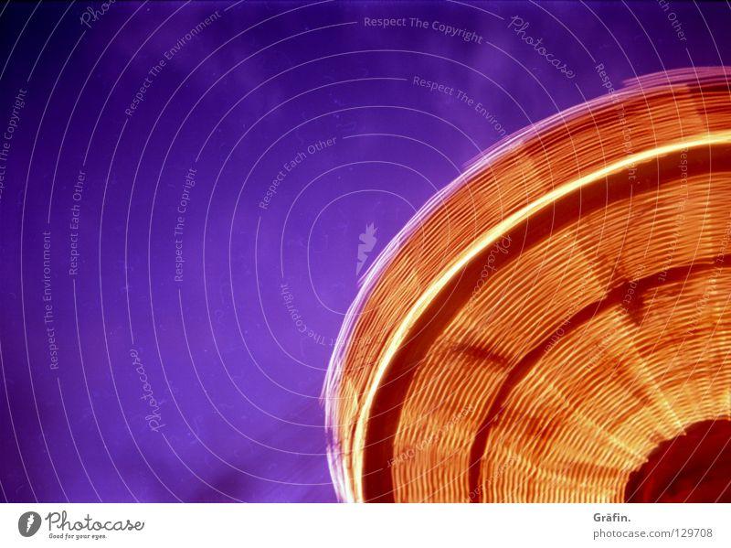 Dom Series Jahrmarkt Kettenkarussell drehen Geschwindigkeit Verwirbelung Licht Lichtgeschwindigkeit Karussell Glühbirne Lampe Lichtstreifen Langzeitbelichtung