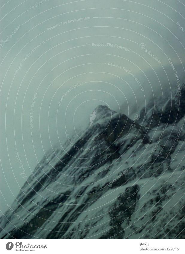 Nebelberg Himmel Natur Ferien & Urlaub & Reisen Winter Wolken Landschaft dunkel kalt Schnee Berge u. Gebirge Stein Eis Wetter Alpen Falte