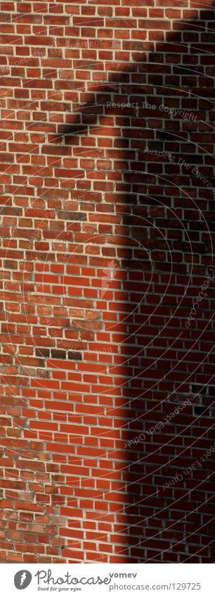 No. 1 1 Mauer Gebäude Architektur Licht & Schatten Nummer eins