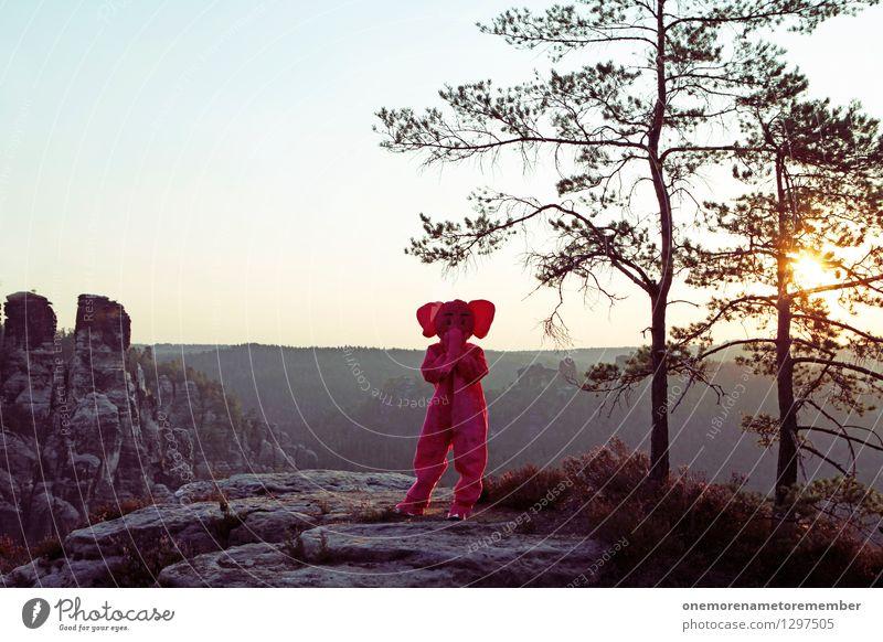 nichts sagen. Kunst Kunstwerk ästhetisch Elefant stehen verstecken Eyecatcher Sonnenstrahlen Berge u. Gebirge Felsen Natur außergewöhnlich herausstechend