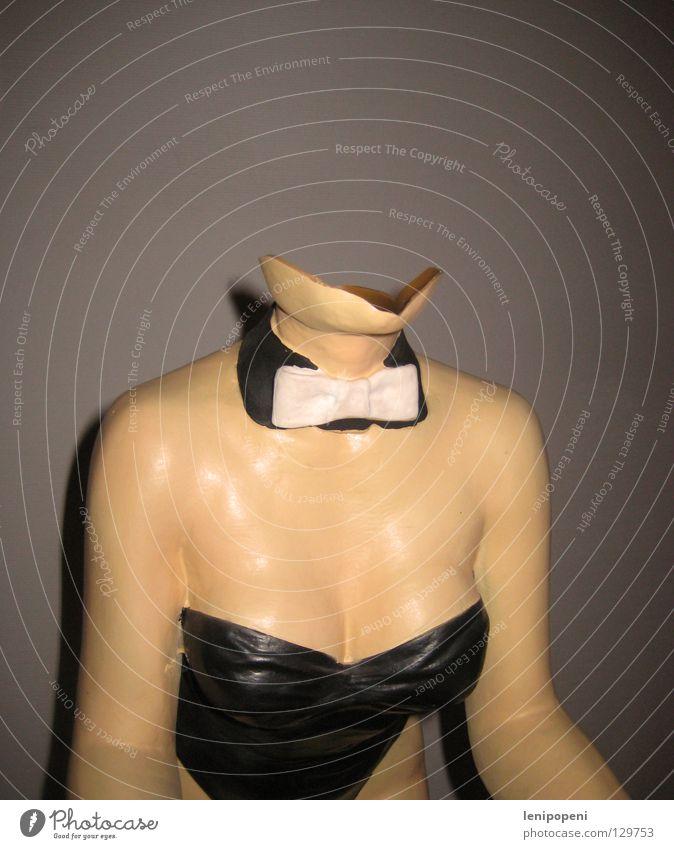 headless bunny Tod Körper Arme glänzend Haut kaputt Vergänglichkeit Frauenbrust Brust Geschirr gebrochen obskur Zerstörung Hals kurz gestellt