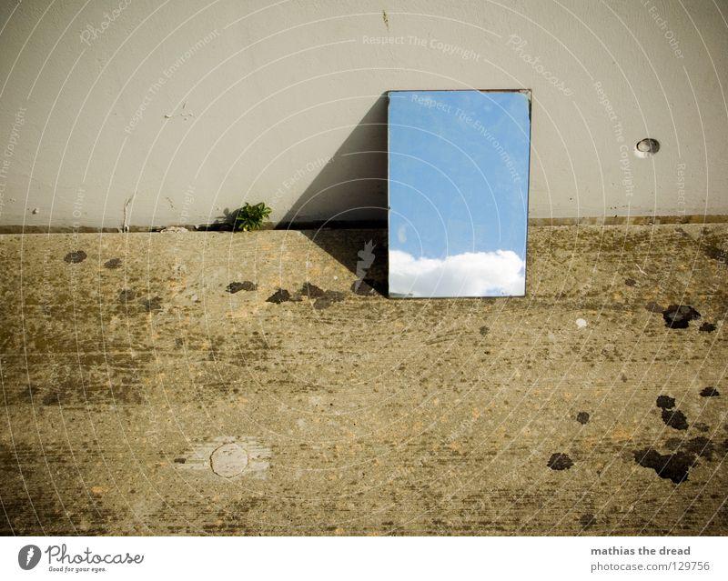 BLUE IN THE SKY Spiegel Spiegelbild Reflexion & Spiegelung Wand Fassade kalt Asphalt dunkel Ecke Trauer Einsamkeit trist Wolken Hoffnung schön Physik