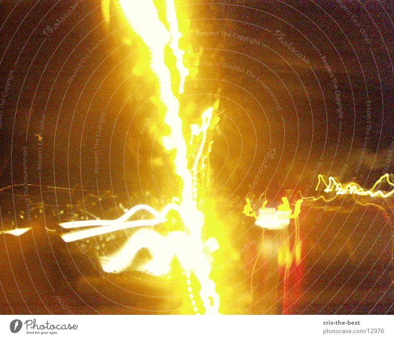 x-motien-04 hell verrückt Geschwindigkeit Streifen Blitze Fototechnik