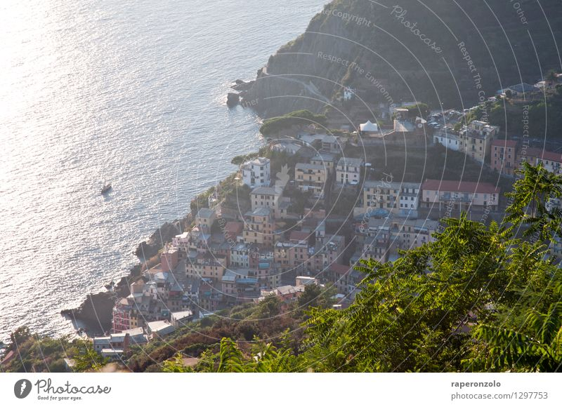 Riomaggiore Ferien & Urlaub & Reisen Tourismus Ferne Sommer Sommerurlaub Meer Cinque Terre Italien Ligurien Europa Dorf Stadt Haus authentisch Stimmung Neugier